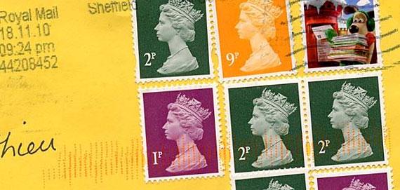L'Angleterre est le seul pays dans le monde à ne pas mettre son nom sur les timbres