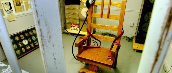 la chaise lectrique a t invent e par un dentiste. Black Bedroom Furniture Sets. Home Design Ideas