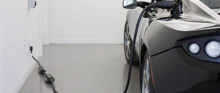 Les premières voitures électriques ont été inventées dans les années 1830 !