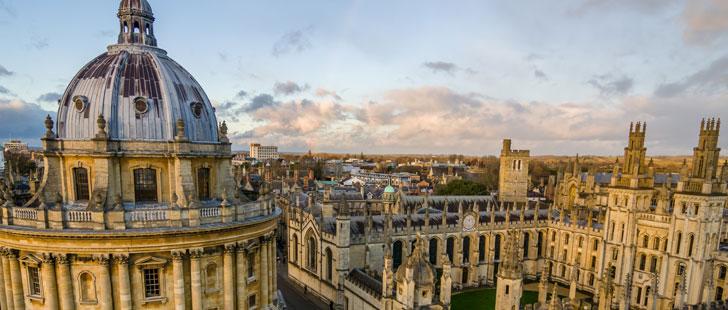 L'université d'Oxford est plus ancienne que l'Empire Aztèque.