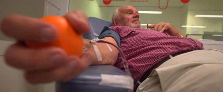 Un homme a sauvé la vie de plus de 2 millions de bébés grâce à son sang !