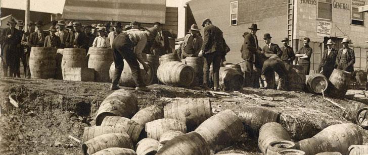 Durant la prohibition, le gouvernement des États-Unis a empoisonné l'alcool tuant plus de 10 000 personnes !