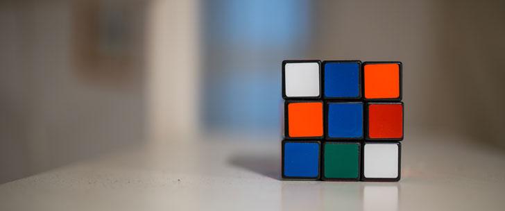 Le Saviez-Vous ? N'importe quelle configuration du Rubik's Cube peut être résolue en seulement 20 mouvements ! Rubik-cube