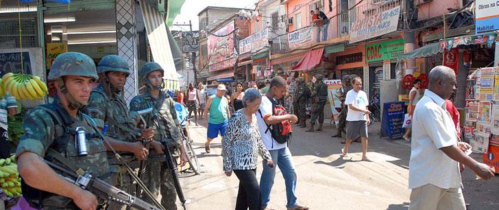 Le saviez-vous?Pour les Jeux Olympiques de Rio, 70 000 familles ont été déplacées  Favelas