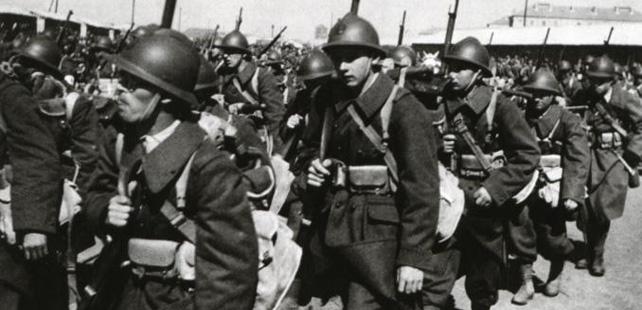 Le saviez-vous ? En 1940, 9 soldats français ont combattu 5000 soldats italiens durant une semaine ! Soldats-francais
