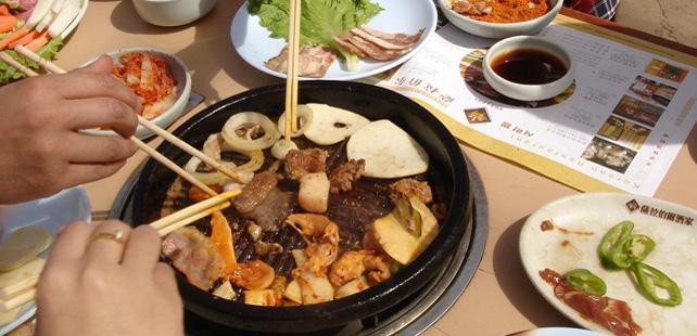 Le saviez-vous ? En Chine, c'est impoli de finir son assiette ! Manger-chine