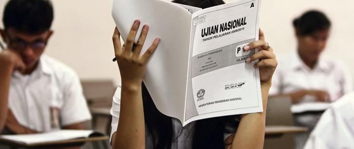 En 2013, le taux de réussite aux examens de fin d'étude secondaire en Indonésie était de 99% grâce à la triche !