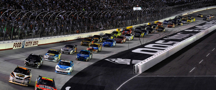 Vous n'avez pas besoin d'un permis de conduire pour être un pilote de NASCAR !