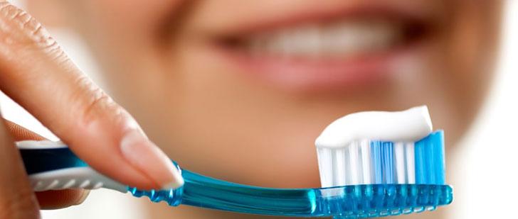 Vous ne devriez pas vous brosser les dents après chaque repas !