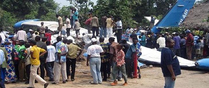 Un crocodile qui a été discrètement introduit dans un avion s'est échappé, et a causé le crash de cet avion !