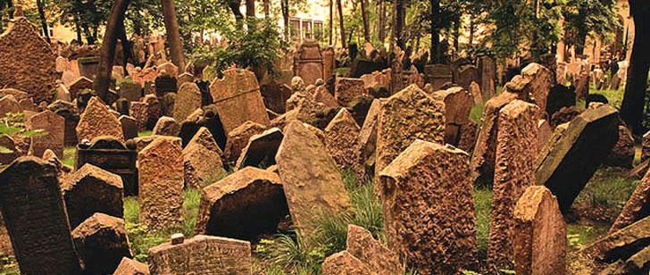 Le cimetière juif de Prague, le cimetière aux 12 000 stèles !