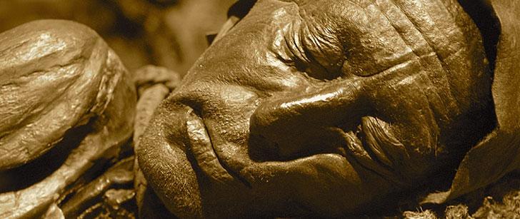 Un cadavre vieux de 2400 ans a été si bien préservé qu'on a pu identifier la cause de sa mort !