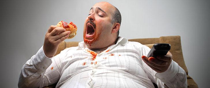 Le manque de sommeil vous donne envie de manger de la malbouffe!