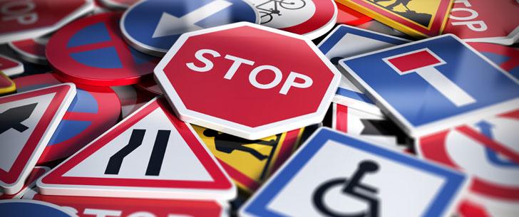 """Il n'y a qu'un seul panneau """"stop"""" dans tout Paris !"""