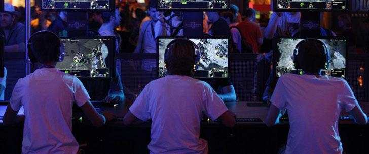 Ils ont vendu leurs trois enfants pour pouvoir jouer à des jeux vidéos en ligne !