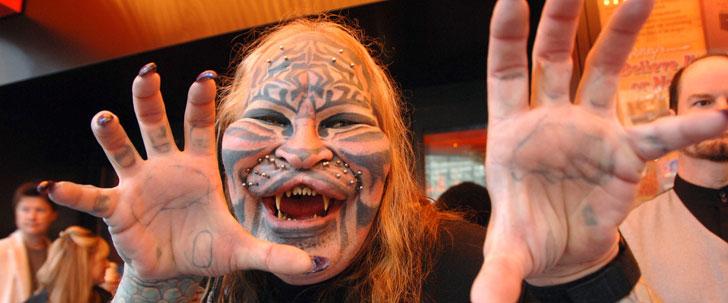 Un homme a dépensé 200 000 dollars en chirurgie pour ressembler à un tigre !