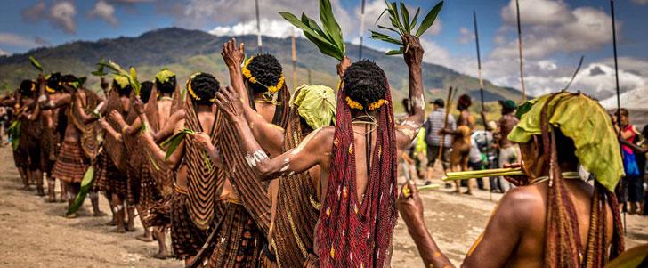 Il y a une tribu dont les membres se coupent un doigt à la mort d'un proche !