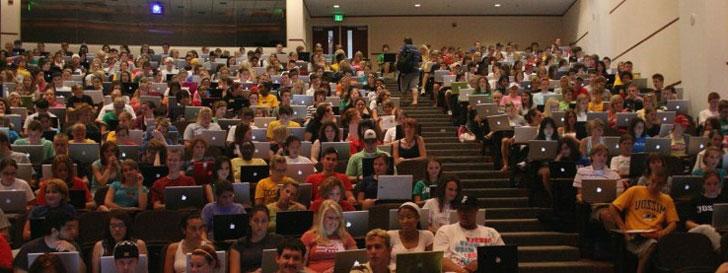La liste des choses que font les étudiants sur leur ordinateur pendant les cours en amphithéâtre