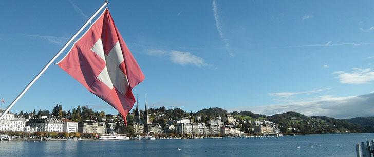 les étrangers ne peuvent pas devenir propriétaire en Suisse? Alors comment font les tennismen?