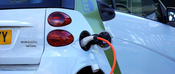 A partir de 2019, les voitures electriques devront emettre un bruit similaire à celui d'une voiture à moteur à combustion !