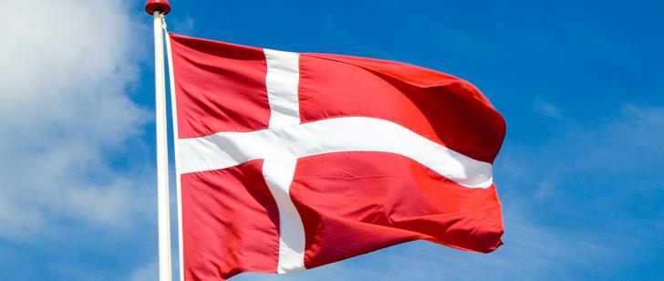 Au Danemark, il est illégal de brûler un drapeau d'un autre pays mais il est légal de brûler le drapeau danois !