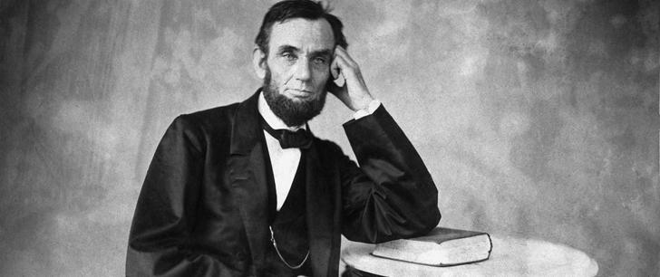 Intéressant Le saviez-vous?Abraham Lincoln gardait ses documents importants à l'intérieur de son chapeau ! Abraham_Lincoln
